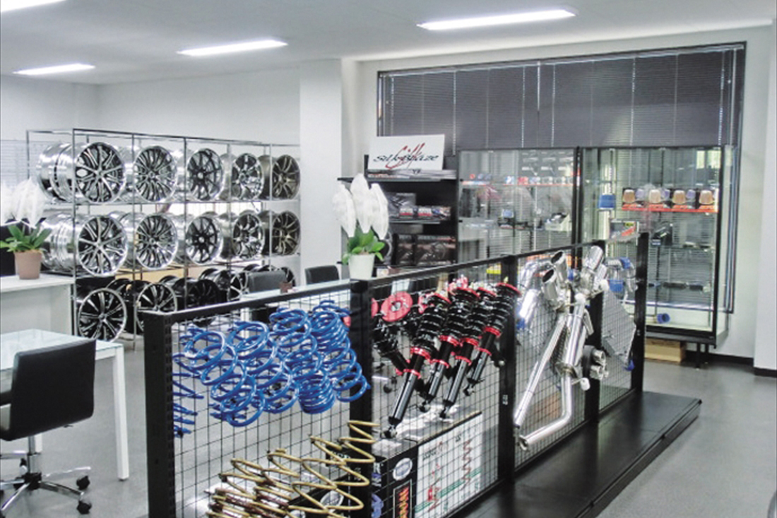 KUHL RACING 名古屋4